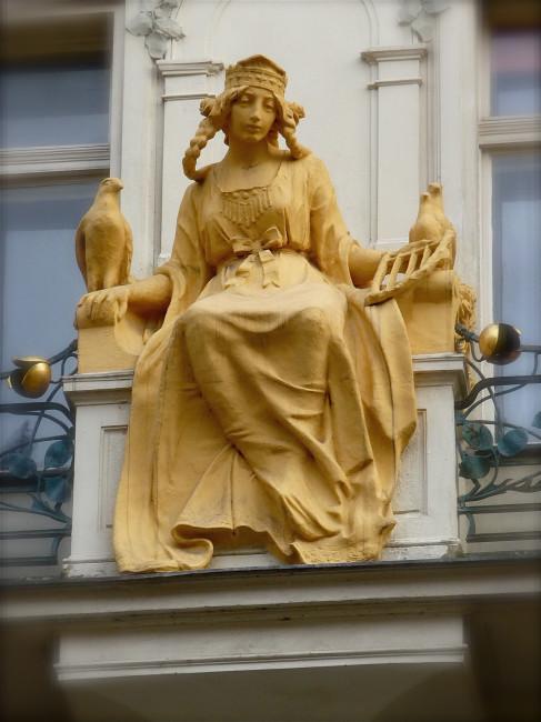 PRAGUE 17 STATUE