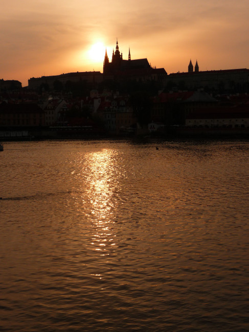 PRAGUE 19 CASTELE SUNSET