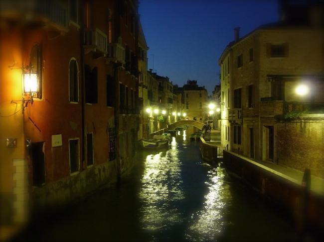 VENICE 1 CANAL DARK