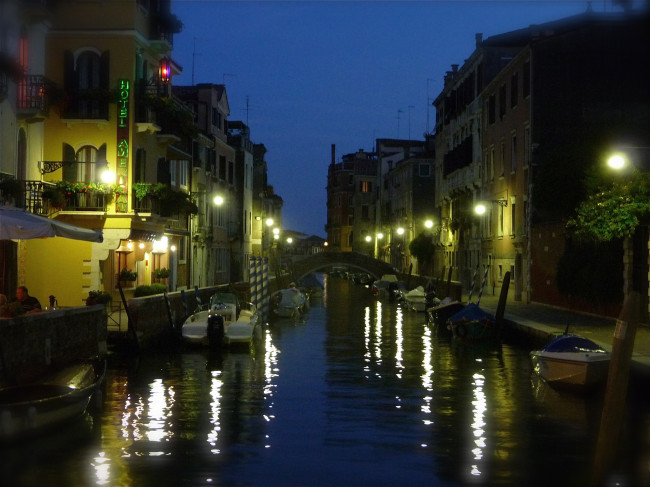 VENICE 8 CANAL TWILIGHT