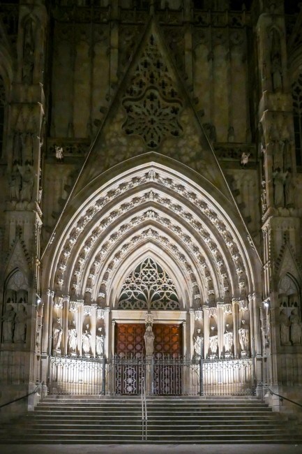 10 WALK CATHEDRAL