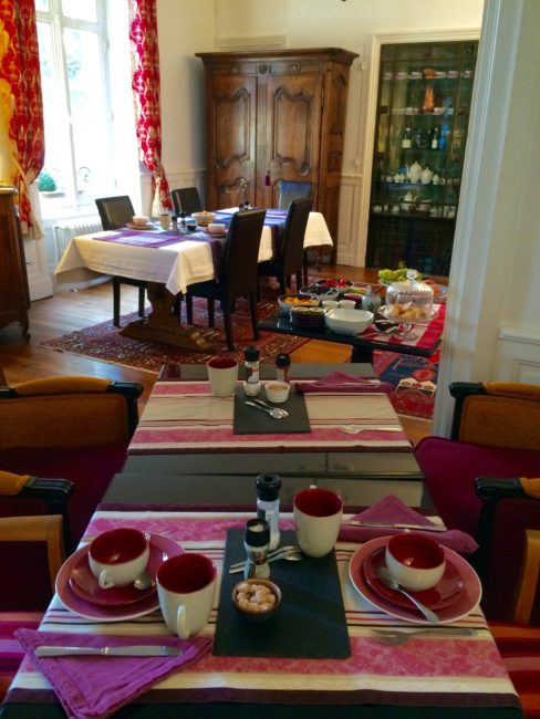 breakfast-room-le-jardin-le-lois-beaune