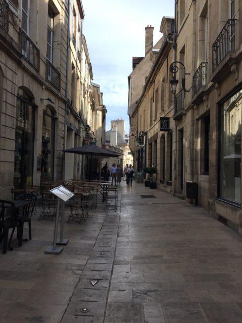 01-street-dijon-1