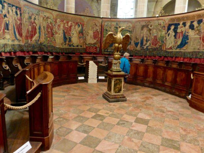 basilique-notre-dame-de-beaune-tapestries-2-1