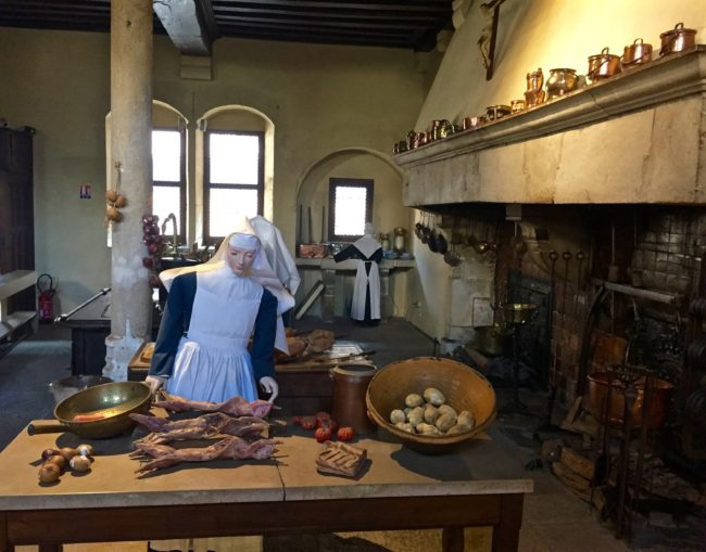 beaune-hospices-kitchen-france-1